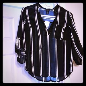 Black and White XS blouse